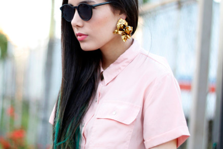 Lutfi Janania clip-on earrings, pink blouse from TIendas Carrion, Honduras