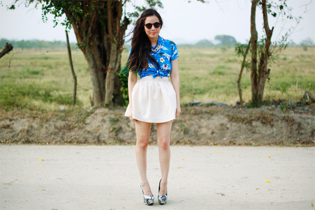 tourist inspired outfit with platform heels