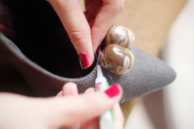 DIY Step 6 to embellish your simple pumps