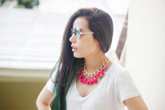 Wear DIY charm necklace with basic white t-shirt