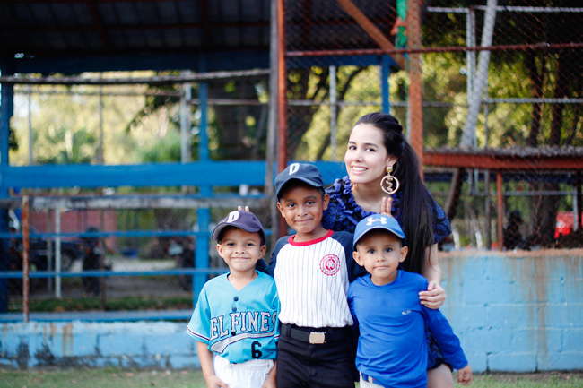 Posing with the little baseball players...so cute!